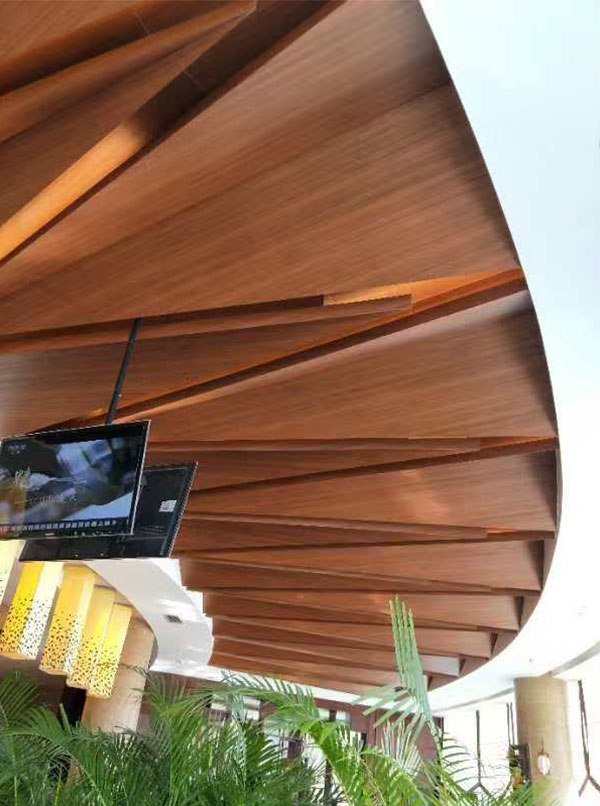 装修新选择——仿木铝蜂窝装饰板